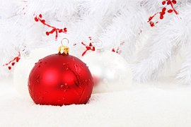 Unhappy Holiday Pic christmas-bauble-15738__180